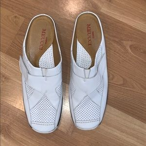 Sesto Meucci white leather mules size 7 EUC